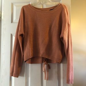 Sweaters - Cropped light pink sweater
